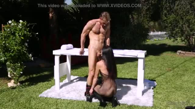 India summer and her husband in the garden