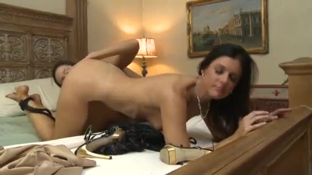 India summer celeste star young slut hunting mature pussy