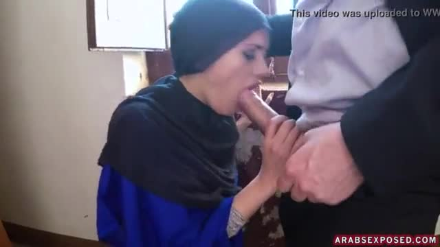 Muslim flashing public and arab beauty xxx 21 year old refugee in my